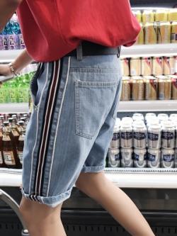 กางเกงยีนส์ขาสั้นเกาหลี แถบเส้นด้านข้าง แนวแฟชั่น มี3สี