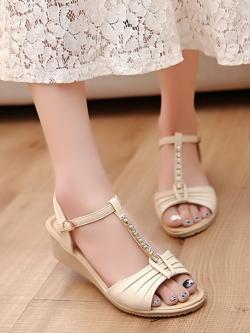 รองเท้าส้นสูงใส่สบายหนัง PU รัดส้นหัวเข็มขัดประดับคริสตัลสวยมาก