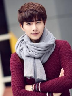 ผ้าพันคอเกาหลี ดีไซน์เรียบสวย แนวโมเดิร์น มี4สี
