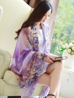 ผ้าคลุมไหล่เกาหลี แต่งลายดอกไม้ เรียบหรู มี2สี