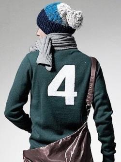 หมวกกันหนาวเกาหลี ไหมพรมบิดถัก สีตามรูป แต่งแถบสีเลเยอร์ แต่งปลายหมวก