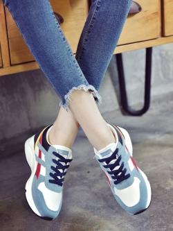 รองเท้าผ้าใบกีฬาผู้หญิงผูกเชือกส้นแบน สไตล์ฮาราจูกุ