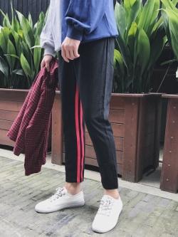 กางเกงขายาวเกาหลี แต่งแถบเส้นด้านใน มี2สี