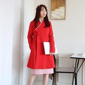 โมเดิร์นฮันบก แฟชั่นข้ามกาลเวลาจาก โดยดีไซเนอร์สาวชาวเกาหลี