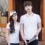 Pre Order เสื้อโปโลคู่รักแฟชั่น สไตล์เกาหลี แต่งลายคลาสสิก สีขาว thumbnail 1