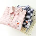 เสื้อเชิ๊ตน่ารัก ลายตารางสไตล์ญี่ปุ่น ปักลายหมีที่อกเสื้อ