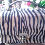 กระเป๋าสตางค์ / กระเป๋าถือ / กระเป๋าแฟชั่น / และกระเป๋าอื่น ๆ