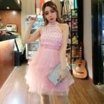 เดรสออกงานผ้าถักดอกไม้สีชมพู คล้องคอตัวเดรสปักคริสตัลเหมือนแบบ