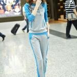 Pre Order ชุดวอร์มกีฬาเกาหลี เซตเสื้อยืดมีฮู้ดแขนยาวสามส่วนและกางเกงขายาว