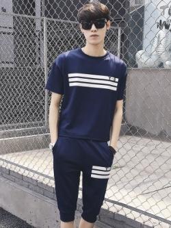 ชุดกีฬาเกาหลี แต่งแถบเส้นคาด เสื้อแขนสั้น+กางเกงขาสั้น มี3สี