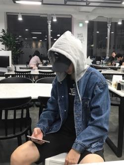 เสื้อฮู้ดแจ็คเก็ตยีนส์เกาหลี สีน้ำเงินเข้ม ทรงหลวม