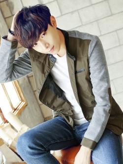 เสื้อแจ็กเก็ตแขนยาวเกาหลี แต่งแขนเสื้อ ดีไซส์คอปก มี2สี