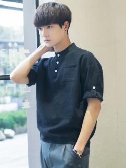 เสื้อแฟชั่นเกาหลี แต่งกระดุม ดีไซน์ที่เก็บแขนเสื้อ มี3สี