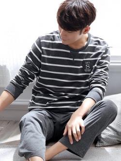 ชุดนอนสีเทาเข้มเกาหลี แต่งลายขวาง เสื้อแขนยาว+กางเกงขายาว
