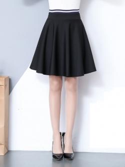 **พร้อมส่ง** กระโปรงสั้นสีดำเกาหลี ผ้าหนานุ่มใส่สบาย ซับในกางเกงด้านใน
