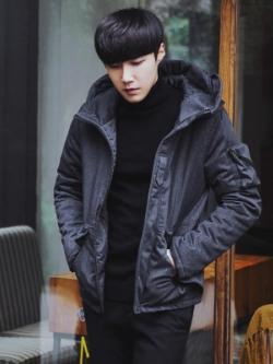 เสื้อฮู้ดแจ็คเก็ตเกาหลี สีเทาเข้ม แต่งกระเป๋าเสื้อ