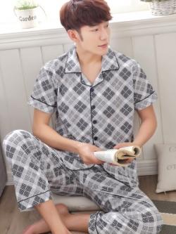 ชุดนอนเกาหลี สีเทา พิมพ์ลายกราฟฟิคทั้งตัว เสื้อแขนสั้น+กางเกงขายาว