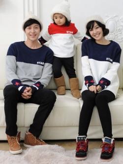 ชุดครอบครัวเซท3ชุด เสื้อกันหนาวแขนยาว แต่งรูปดาวปลายแขนเสื้อ