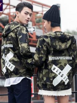 ชุดคู่รักเกาหลี เสื้อแจ็คเก็ตแขนยาว แต่งลายกากบาทด้านหลัง มีฮู้ด มี5สี