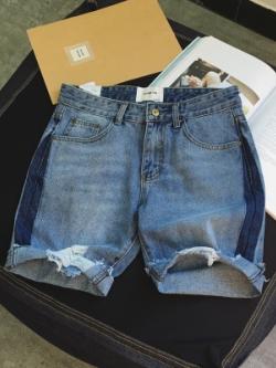 กางเกงยีนส์ขาสั้นเกาหลี สีฟ้า แต่งแถบสีด้านข้าง