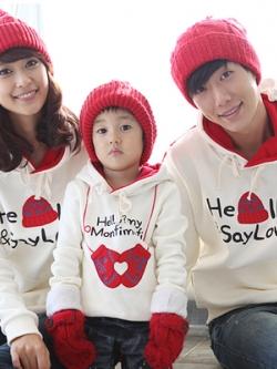 ชุดครอบครัวเซท3ชุด เสื้อกันหนาวแขนยาวสีขาว พิมพ์ลายด้านหน้า แต่งฮู้ด ผ้าหนานุ่ม