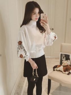 เสื้อทำงานแฟชั่นเกาหลี แขนบอลลูนลายดอกไม้ จั้มขอบ มี2สี