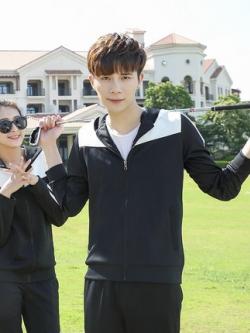 ชุดวอร์มกีฬาเกาหลี แต่งแถบสี เสื้อฮู้ดแจ็คเก็ตแขนยาว+กางเกงขายาว มี2สี