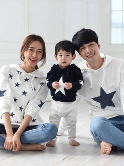 ชุดครอบครัวเซท3ชุด เสื้อแขนยาวแฟชั่น มีฮู้ด แต่งรูปดาว มี2สี