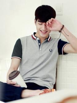 เสื้อโปโลแขนสั้นเกาหลี แต่งแถบคอปกเสื้อ มี3สี