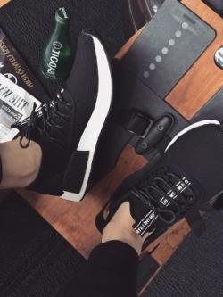 รองเท้าผ้าใบเกาหลี แต่งเชือกผูก แนวสปอร์ต มี2สี