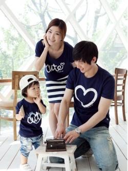 ชุดครอบครัวสีน้ำเงินสไตล์เกาหลี 4 ชิ้น เด็กหญิงเด็กชาย ขนาด S M L XL ผู้หญิงเป็นเดรสขนาด S M L ผู้ชายเป็นเสื้อขนาด M L XL