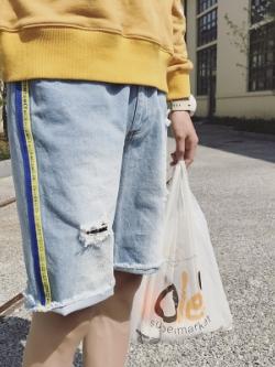 กางเกงยีนส์ขาสั้นเกาหลี สีฟ้า แต่งแถบเส้นด้านข้าง