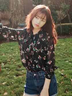 เสื้อชีฟองแขนยาวเกาหลี สีดำ แต่งลายทั้งตัว สวยหวาน