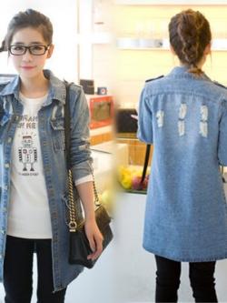 เสื้อยีนส์แจ็คเก็ตตัวยาวเกาหลี สีฟ้า แต่งกระเป๋าเสื้อ แนวเซอร์ๆ