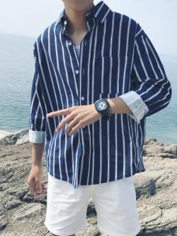เสื้อเชิ้ตแขนยาวเกาหลี แต่งลายเส้นตรง ดีไซน์กระเป๋า มี2สี