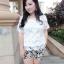 PreOrderไซส์ใหญ่ - เซตคู่เสื้อกางเกงแฟชั่น ไซส์ใหญ่ คนอ้วน 3 ชิ้น เสื้อลูกไม้สีขาว พร้อมเสื้อสายเดียวซับข้างใน กางเกงขาสั้นพิมพ์ลายดอกไม้ีดำขาว thumbnail 1