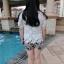 PreOrderไซส์ใหญ่ - เซตคู่เสื้อกางเกงแฟชั่น ไซส์ใหญ่ คนอ้วน 3 ชิ้น เสื้อลูกไม้สีขาว พร้อมเสื้อสายเดียวซับข้างใน กางเกงขาสั้นพิมพ์ลายดอกไม้ีดำขาว thumbnail 9