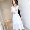 ชุดเดรสยาว ผ้าชีฟองเนื้อดีสีขาว เปิดไหล่ ไหล่เป็นสายเดี่ยวเล็กๆ 3 สาย ปรับความยาวสายได้