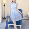 ชุดเดรสออกงาน ตัวเสื้อผ้าลูกไม้ชนิดเนื้อนิ่ม ยืดหยุ่นได้ดี สีฟ้า คอจีน แขนสั้น