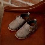 รองเท้าหนังเทียมคัทชูออกงานหนุ่มน้อย มีสีเทา