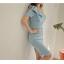 ชุดเดรสออกงาน ผ้าโพลีเอสเตอร์สีฟ้า เปิดไหล่ด้านซ้าย ไหล่ด้านขวาแต่งด้วยผ้าระบาย thumbnail 10