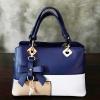 พร้อมส่ง กระเป๋าผู้หญิงถือเย็บสลับสี กระเป๋าผู้ใหญ่ถือออกงานแต่งโบว์ห้อย เย็บสลับสี รหัสYi-4217 สีน้ำเงิน 1 ใบ