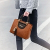 พร้อมส่ง ขายส่งกระเป๋าถือและสะพายข้างผู้หญิง แฟชั่นเกาหลี ห้อยจี้แมว รหัส Yi-0155 สีน้ำตาลอมส้ม 1 ใบ