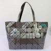 พร้อมส่ง BB-035 สีเทา กระเป๋าสะพาย Shopping-bag ไซร์ใหญ่ลายสายฟ้า เนื้อคริสตัล งานปั๊ม-ซิปปั๊ม-มีถุงผ้า