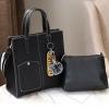 พร้อมส่ง กระเป๋าถือและสะพายข้าง ผู้หญิง แฟชั่นเกาหลี รหัส Yi-0201 สีดำ 1 ใบ *แถมป๋อมหมี