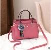 พร้อมส่ง กระเป๋าถือและสะพายข้างผู้หญิง แฟชั่นเกาหลี รหัส Yi-7103 สีชมพู 1 ใบ*แถมจี้ป๋อม
