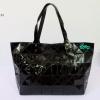 พร้อมส่ง BB-035 สีดำ กระเป๋าสะพาย Shopping-bag ไซร์ใหญ่ลายสายฟ้า เนื้อคริสตัล งานปั๊ม-ซิปปั๊ม-มีถุงผ้า