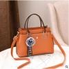 พร้อมส่ง กระเป๋าถือและสะพายข้างผู้หญิง แฟชั่นเกาหลี รหัส Yi-7103 สีส้ม 1 ใบ*แถมจี้ป๋อม