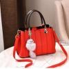 พร้อมส่ง กระเป๋าถือและสะพายข้าง ผู้หญิงวัยผู้ใหญ่ แฟชั่นเกาหลี รหัส KO-804 สีแดง 1 ใบ *แต่งจี้จิ้งจอก