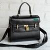 พร้อมส่ง HB-4245 สีดำ กระเป๋าสะพายถือและสะพายข้างนำเข้า แต่งอะไหล่แม่กุญแจ